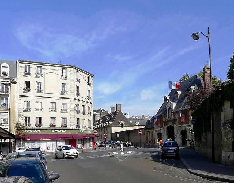 Fichier:P1040718 Paris X place Alfred-Fournier hôpital Saint-Louis rwk.jpg