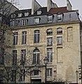 P1170446 Paris IV rue de Fourcy MEP rwk.jpg