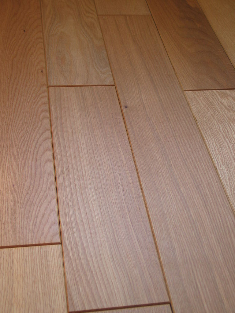 File parquet massif ch ne rustique chanfrein jpg for Plancher sur carrelage