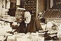 Paul Otlet à son bureau.jpg