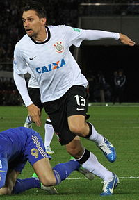 Paulo Andre 2012 (cropped).jpg