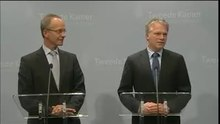 Henk Kamp and Wouter Bos were the first informateurs commissioned by the House rather than the queen.