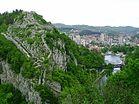 Pevnost a mesto Uzice v zapadnim Srbsku.jpg