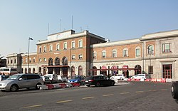 Piacenza - stazione ferroviaria - piazzale esterno.jpg