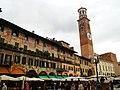Piazza dell' Erbe - panoramio (2).jpg