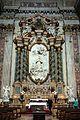 Pierre legros, gloria di san luigi gonzaga, 1697-99, 01, altare con colonne di verde antico.jpg
