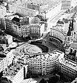 Plac Zbawiciela lata 60. XX wieku.jpg