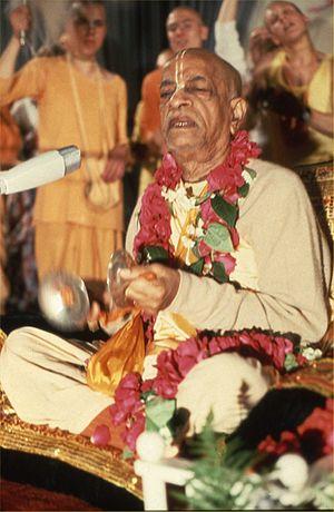 Prabhupada singing (Germany 1974).jpg