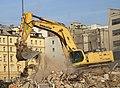Praha, Nové Město, Na Florenci, bourání budovy bývalého Rudého Práva, bagr VI.jpg