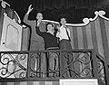 Premiere ABC Cabaret De Kat van Huis in Den Haag Wim Kan, Corry Vonk, Alber…, Bestanddeelnr 907-2571.jpg