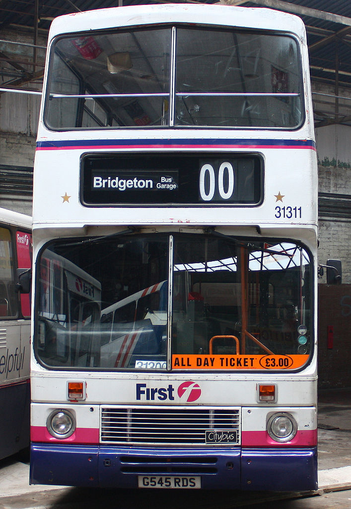 File:Preserved First Glasgow bus 31311 (G545 RDS) 1990 Volvo Citybus Alexander RV, 2009 Glasgow ...