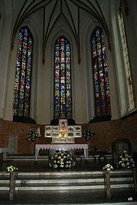 Prezbiterium.jpg