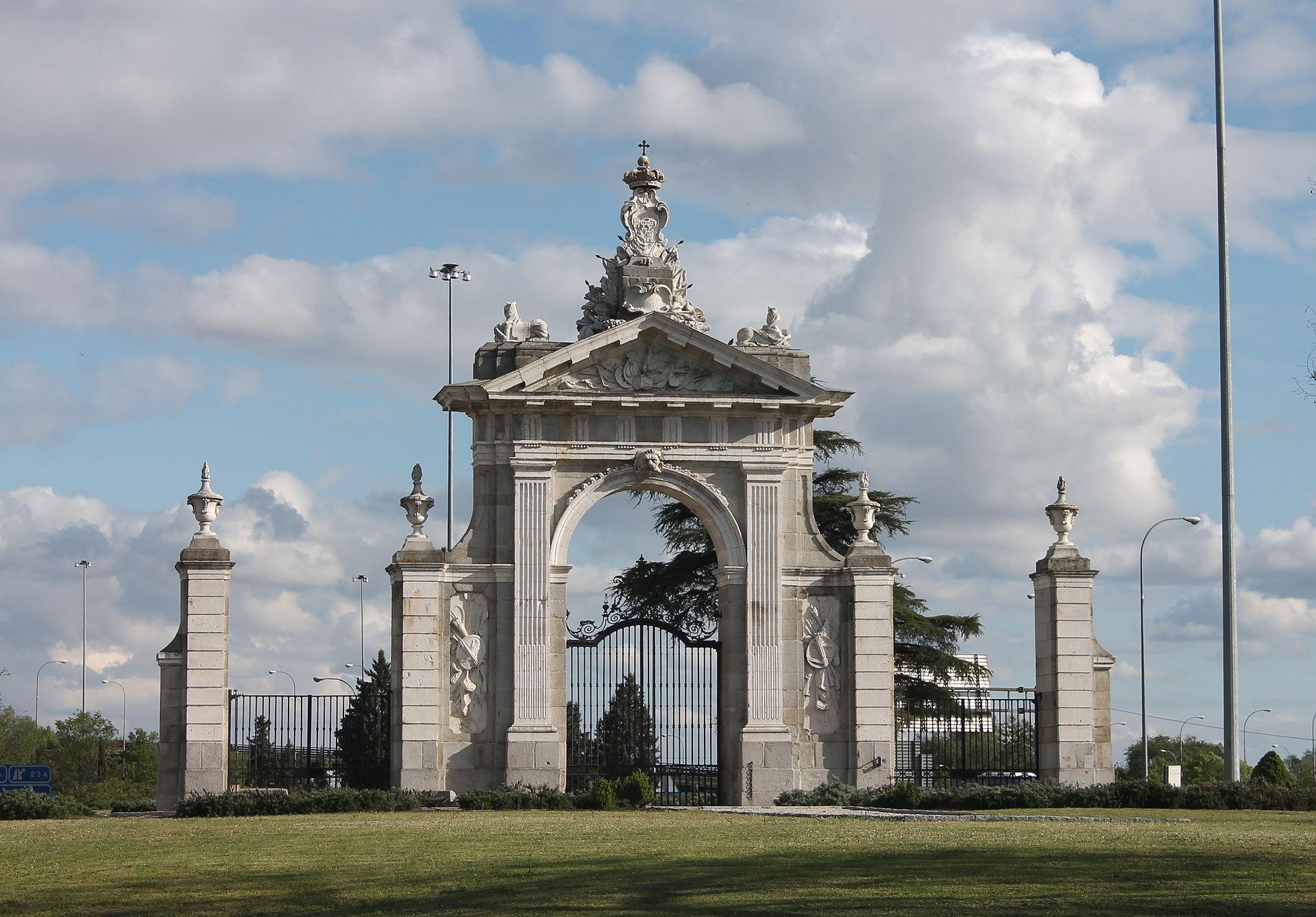 Puerta de hierro madrid wikip dia - Puertas de hierro ...