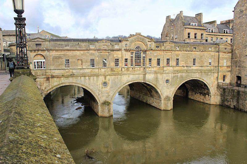 File:Pulteney Bridge 2014.JPG