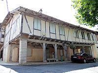 Réalville - Place des Arcades (ancienne place Nationale ou place Royale) -2.JPG