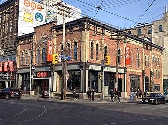 Crate & Barrel - CB2 in Toronto