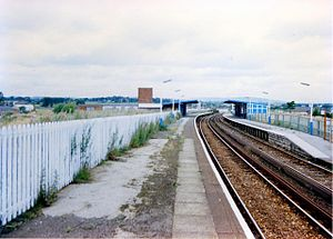 Radcliffe tram stop - Image: Radcliffe Central railway station in 1988