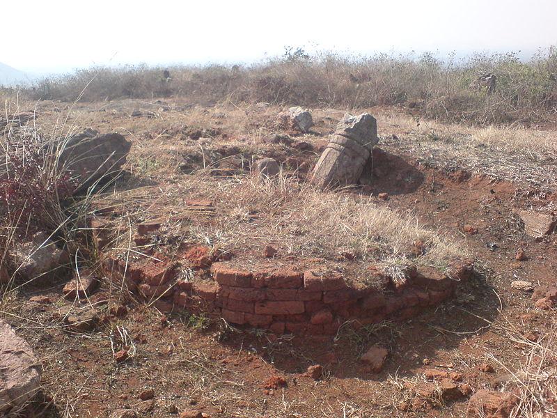 File:Remnants of a Buddhist Stupa at Pavurallakonda near Bhimili.jpg