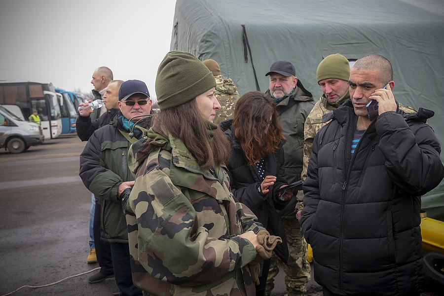 Return of liberated citizens to the territory controlled by Ukraine (2019-12-29) 050.jpg