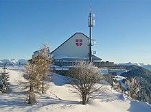 Vue d'un restaurant panoramique en hiver