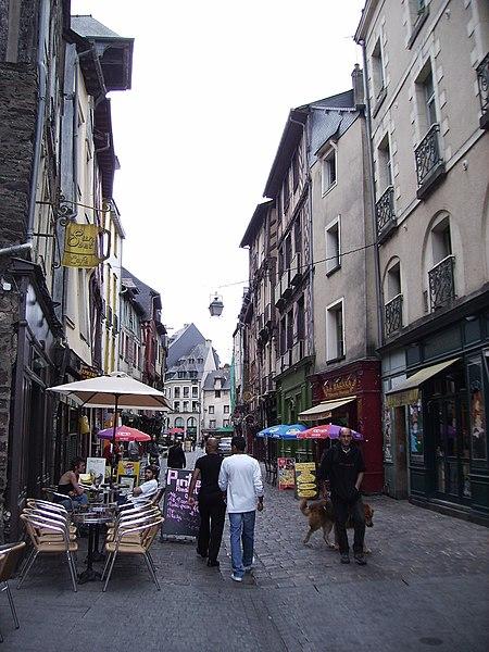 La rue Saint-Michel (dite «rue de la soif») à Rennes.