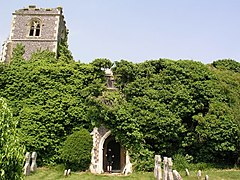 Ruined church in grounds of Lofts Hall - geograph.org.uk - 4495.jpg