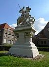 foto van Ruiterstandbeeld Sint-Joris bij Eikenburg