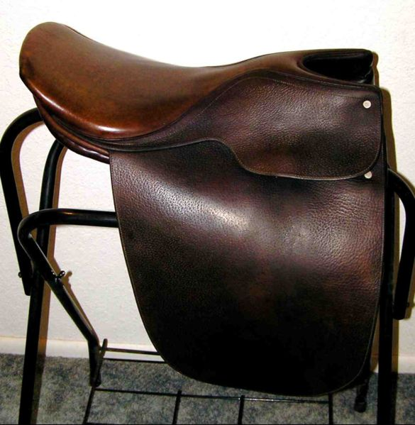 File:SaddleSeatSaddle.jpg