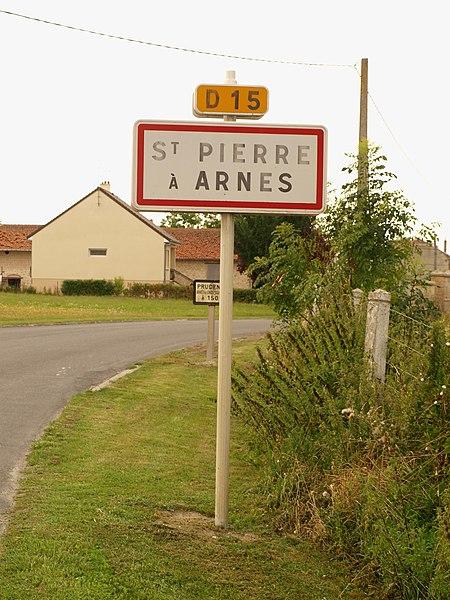 Saint-Pierre-à-Arnes (Ardennes, France); panneau d'agglomération.