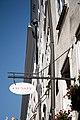 Salzburg - Altstadt - Getreidegasse 22 Orsay - 2019 07 26 - Schild.jpg