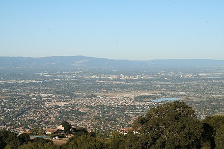 The Santa Clara Valley enjoys a Mediterranean climate, with an average of 301 days of sunshine. San Jose Skyline Silicon Valley.jpg