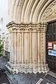 Sankt Veit an der Glan Stadtpfarrkirche hl Dreifaltigkeit W-Portal Säulen links 18052018 3284.jpg