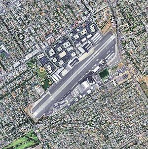 Santa Monica Airport - 2006 USGS airphoto