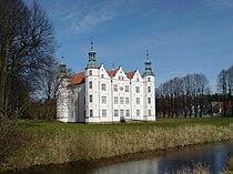 Schloss Ahrensburg, Gartenfassade.JPG