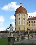 Schloss Moritzburg Statue Jaegerturm-1.jpg