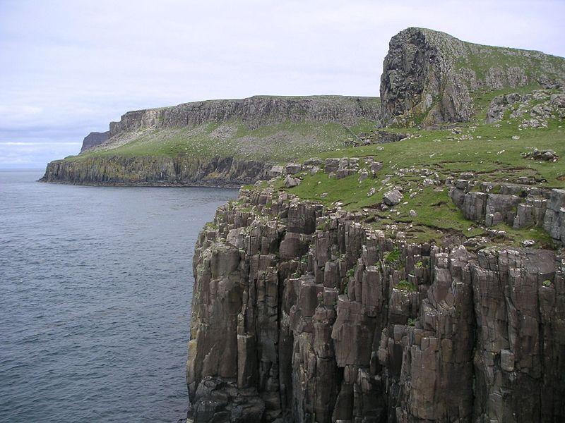 File:Scotland Skye cliffs.jpg