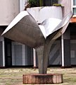 Sculpture place de Valmy (Les Essarts).jpg