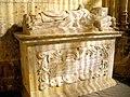 Segovia - Catedral, Capilla del Cristo del Consuelo 10-Sepulcro del Obispo Raimundo de Losana.JPG