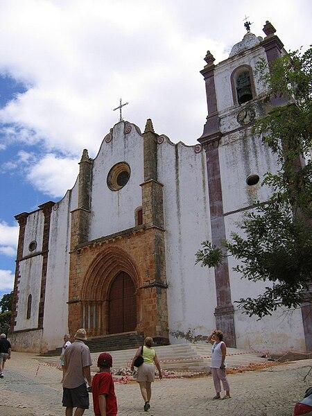 Image:SilvesCathedral-facade1.jpg