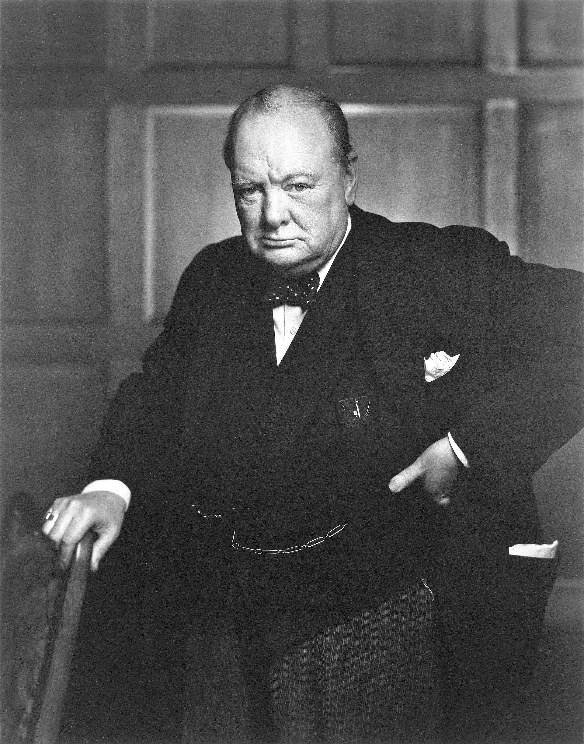 1920px Sir Winston Churchill   19086236948 - Emocje w fotografii czyli 12 sposobów na emocjonujące zdjęcia !