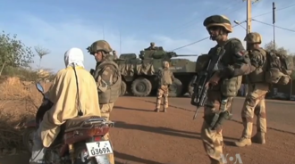 Gao - French soldiers on patrol in Gao in 2013