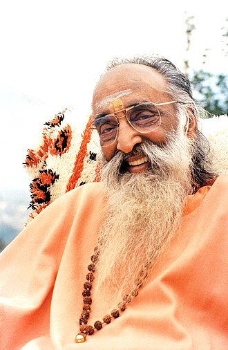Chinmayananda Saraswati - A portrait of Swami Chinmayananda in 1990