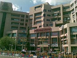 Spencer Plaza from Anna Salai.jpg
