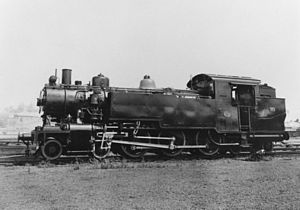 StateLibQld 1 73719 DD17 949 locomotive built in Ipswich between 1948 and 1952.jpg