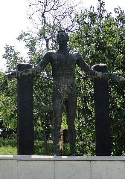 Αρχείο:Statue of Szajnowicz Iwanow.JPG