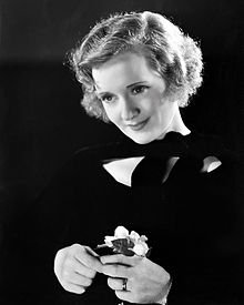 Black and white portrait photograph of Billie Burke in 1933