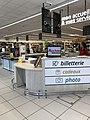 Supermarché Auchan à Villefranche-sur-Saône - intérieur 2.JPG