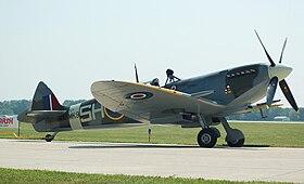 Supermarine Spitfire Mk IX -Indianapolis Air Show-24Aug2008.jpg
