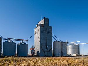 Sutton, North Dakota - Grain elevator in Sutton