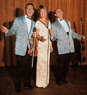 Alice Babs - Alice Babs with The Swe-Danes in 1961,  with Svend Asmussen to the left  and Ulrik Neumann to the right.